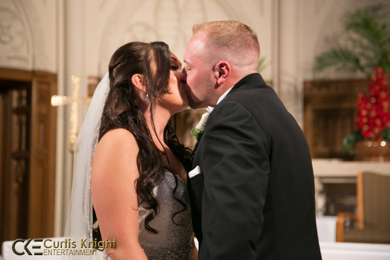 The newly married Amanda and Mark Boland share an intimate kiss!