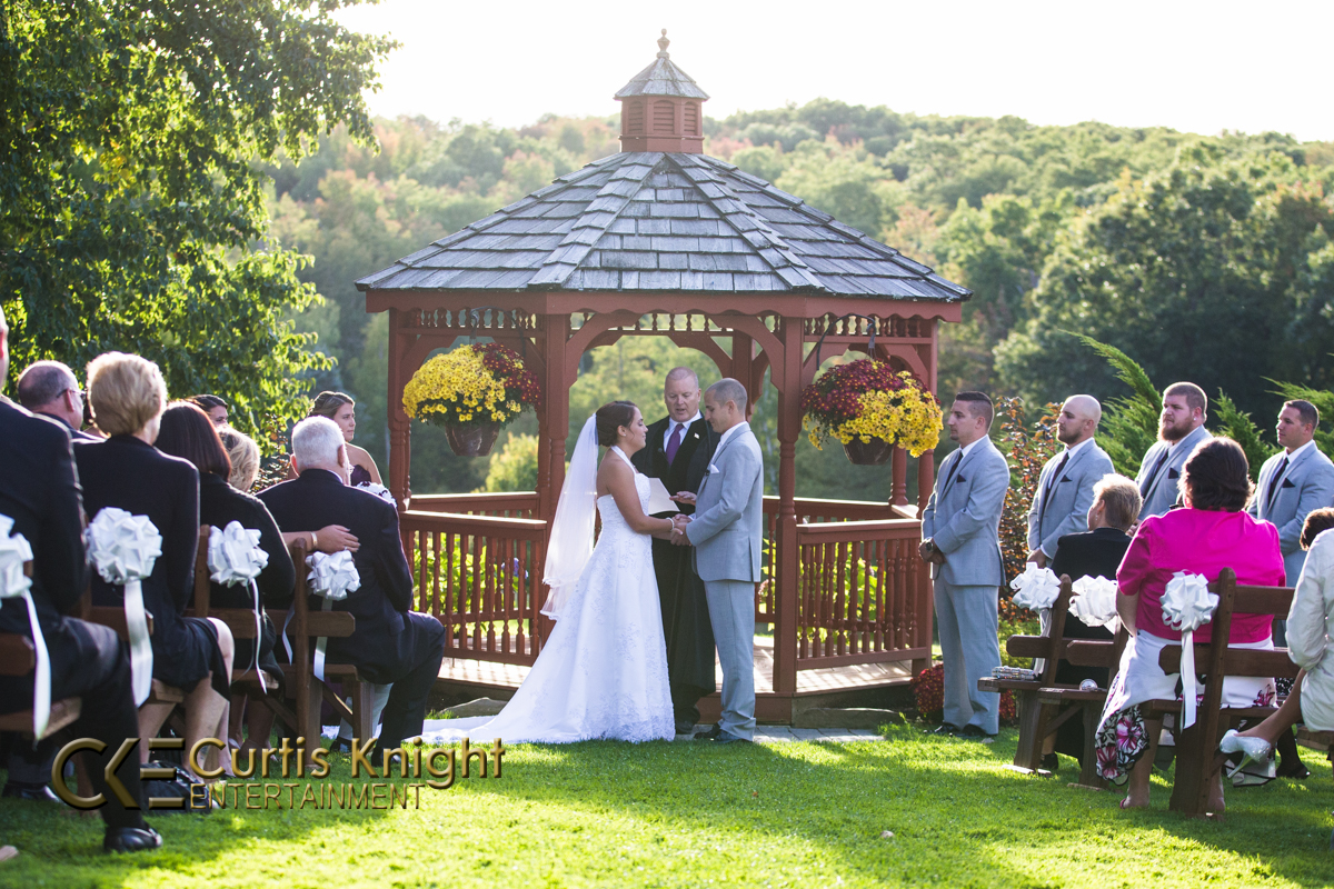 The sun shines bright as Heather and Eric McLaughlin come to be married!
